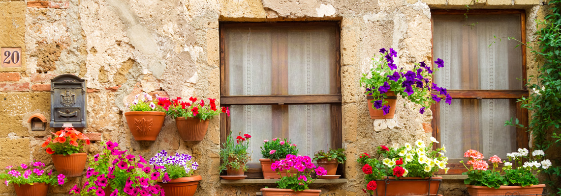 tuscany-rustic-flowerpots